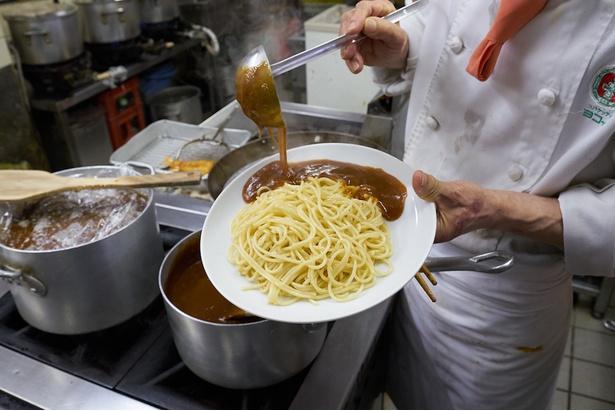 とろみたっぷりのソースはスパゲティとよくからむ