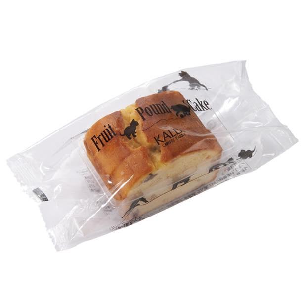 猫柄の袋に入った「オリジナル フルーツパウンドケーキ」