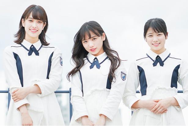 デビューアルバムのキャンペーンで福岡に訪れた「けやき坂46」の佐々木久美、齊藤京子、丹生明里