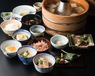 和食(昼のご会席)湯豆腐コース5400円/南禅寺参道 菊水
