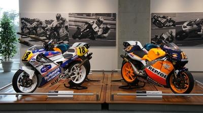 NSR250など懐かしいレーシングバイクも展示