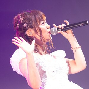 井口裕香のアーティストデビュー5周年&誕生日記念ライブのレポートが到着!