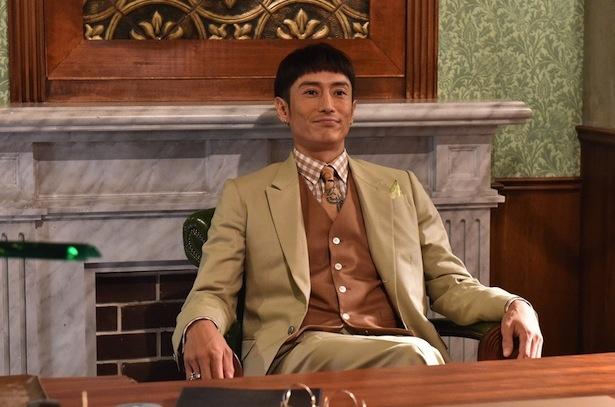 """【写真を見る】伊勢谷友介の""""独特すぎる""""髪型に、プロデューサーも「変ですよね(笑)」"""
