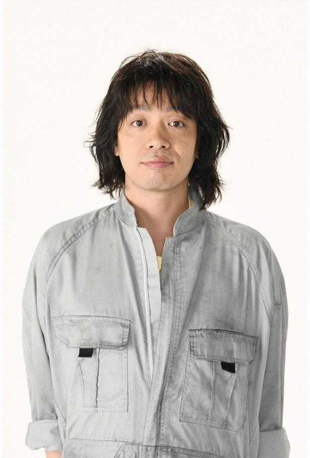 峯田和伸は平凡な自転車店店主を演じる。優しく穏やかだが口下手で女性と縁がないが、母の死後、婚活を意識し始める