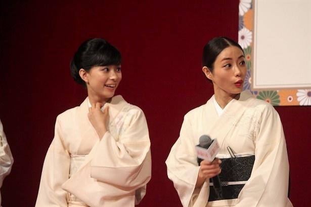 (左から)芳根京子、石原さとみ