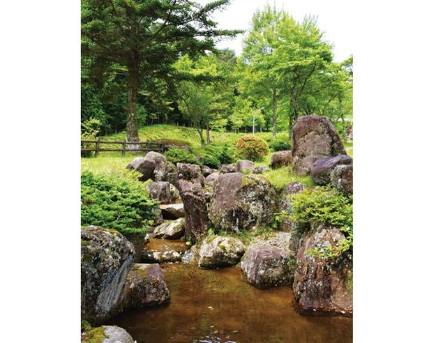 渓流遊びのお供として、ハンモック(180分300円)やさお、タモ(各200円)など、レンタル用品も充実!/グリーンステージ花の木