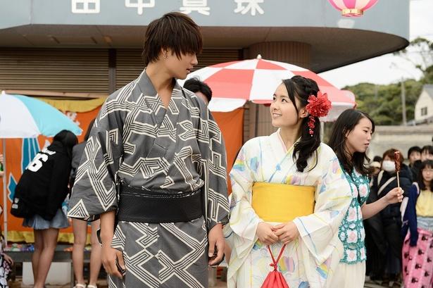 「青夏―」で、少しぶっきらぼうだけど実は優しい吟蔵(佐野勇斗)に、理緒(葵わかな)は一瞬で恋に落ちる