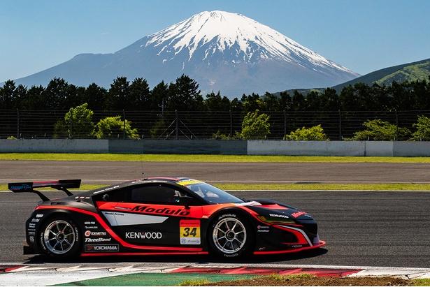 SUPER GTに参戦中のModulo KENWOOD NSX-GT3