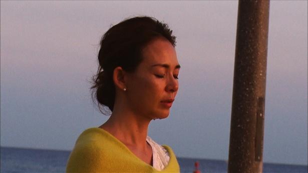 SHIHO、ハワイの浜辺で涙…そのワケとは