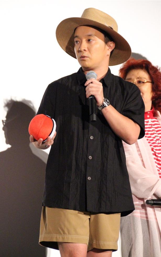 【写真を見る】虫取り少年感あふれる、濱田岳の短パン姿