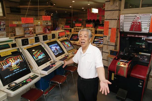 館長の天野欽史さん「レトロゲームには熱狂的なファンが多く、起動音を聞くためだけに訪れる人も!」