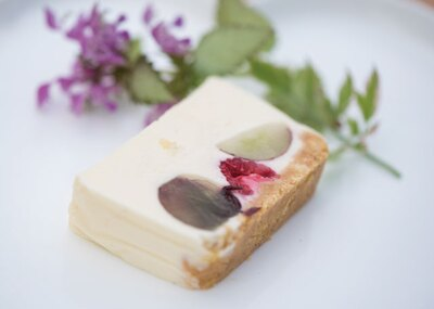 季節のデザート。この日はチーズケーキ