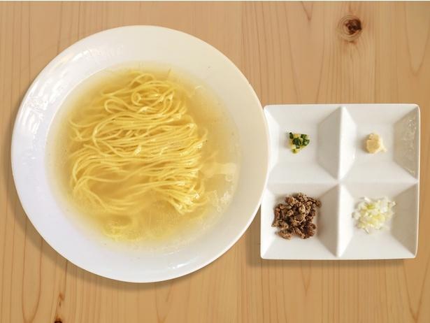 【写真を見る】ジビエ料理と国民食のラーメンがコラボレーション!「鹿ラーメン」(税抜980円)