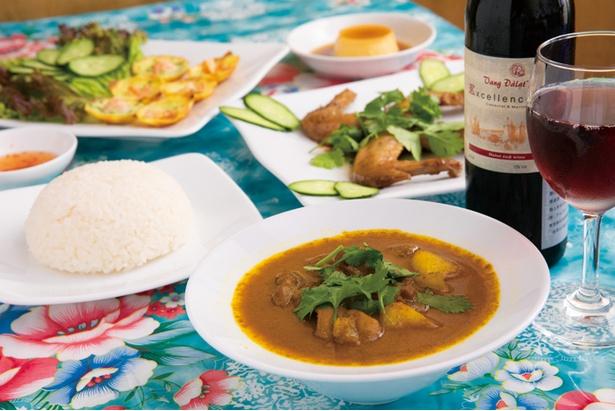 タイやインドのカレーとは一味違う、ベトナム独特の味が楽しめる
