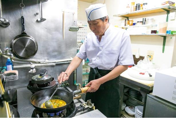 南ベトナム出身、オーナーシェフのウェンタンハオさんが腕をふるう。「誕生日の予約の際は、お店から1品サービスしますよ」