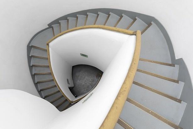 上った先から見下ろすと、貝殻のような幾何学模様が眺められる