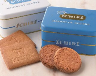エシレバターを100%使用した「サブレ・エシレ/ガレット・エシレ」(各12枚入り・2缶セット 5832円)