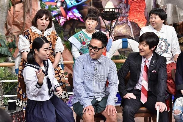 ロケを振り返るイモトアヤコの話にメンバー全員が興味津々!