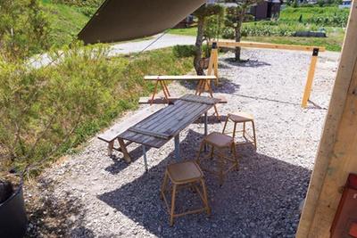 田園風景と調和する、飾らない空間でのんびりと舌鼓を/DAKOTA RUSTIC TABLE