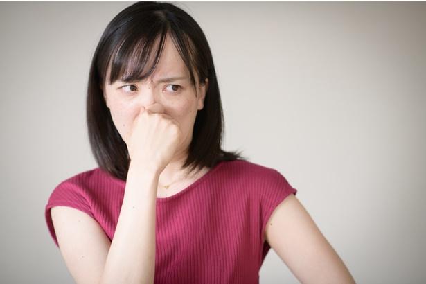 家の中で発生する悪臭の原因は?