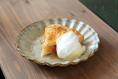 アップルパイ(350円)など、ケーキも常時4、5種/DEXTER DINER