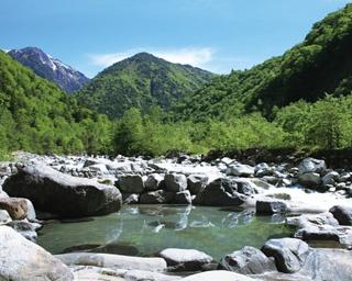 北アルプスの自然に囲まれた絶景露天風呂!<岐阜>