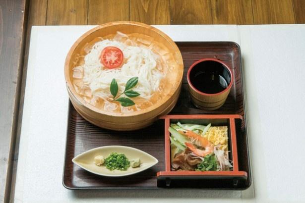 九十九島シーサイドホテル&スパ 花みずき / 「たらいそうめん」(700円)は島原の高級手延麺を使用
