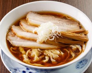 手もみ醤油らぁ麺 温故知新(900円)は各日昼10杯、夜10杯限定。すっきりとしたスープだがキレがあり、味のメリハリを意識している