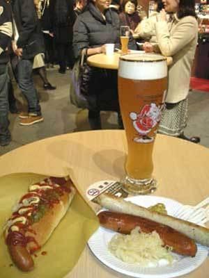 ビールとソーセージで乾杯!