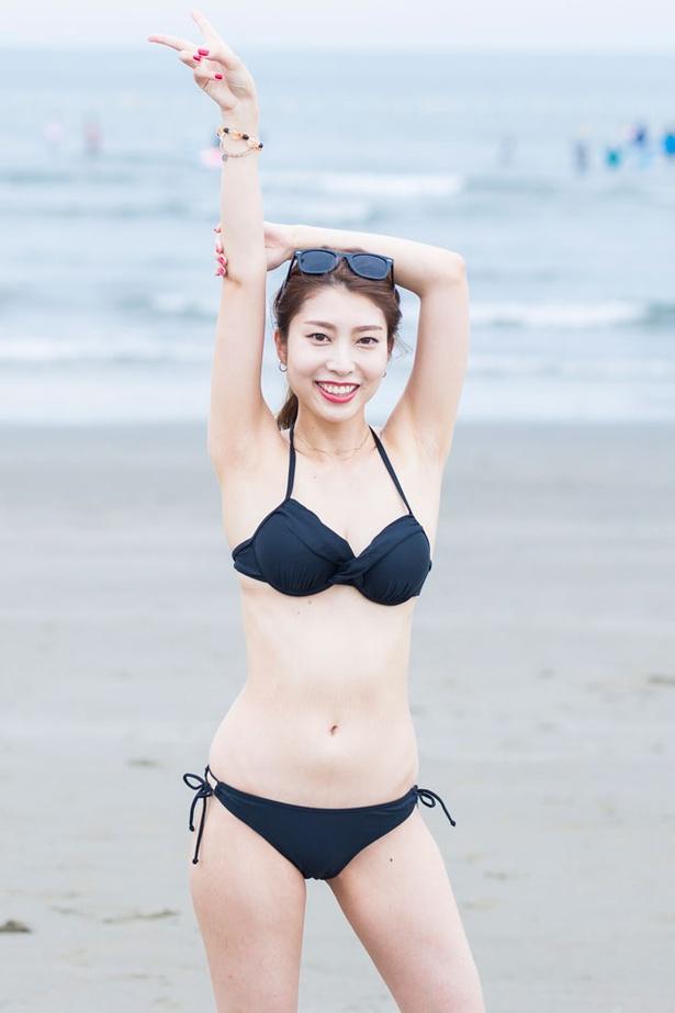 九州の海水浴場で見つけたキュートな水着女子