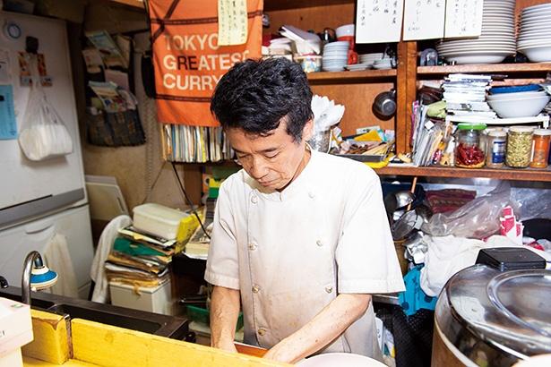 いつも笑顔で気さくに話しかけてくれる店主の浅野信三さん
