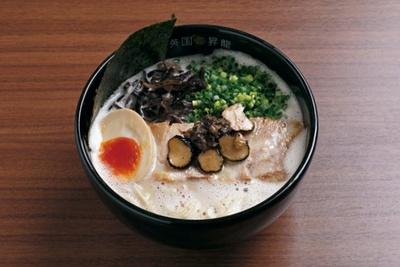 博多焼き鳥&ワイン EIKOKU SHORYU / トリュフ豚骨脂泡RAMEN(853円)
