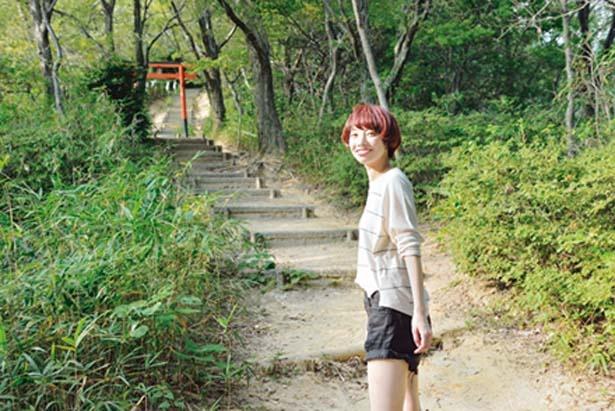 「オニヤンマの小路」からは上り階段の連続。張り切って行こう/交野いきもの ふれあいの里