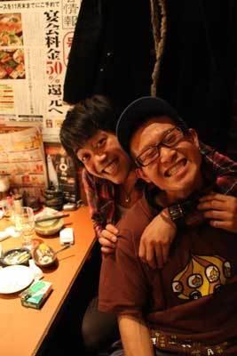 「TOKYO無鉄砲」の2人。もっともモテなかった、たかくら伝説(手前)