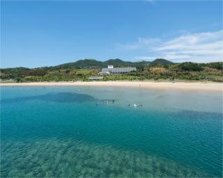 夏休みにおすすめ!海や砂浜の美景に惚れぼれ。長崎・平戸が誇るビーチリゾート「千里ヶ浜海水浴場」