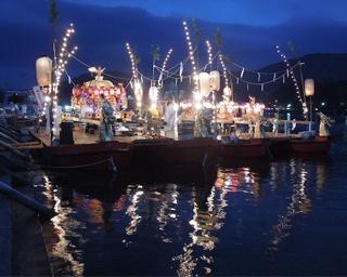 夏の終わりを告げる船渡御と豪快な花火!滋賀県大津市「建部大社 船幸祭」