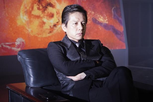 """ブラッド族の伊能賢剛(勝村政信)は、""""ビルド殲滅計画""""を実行"""
