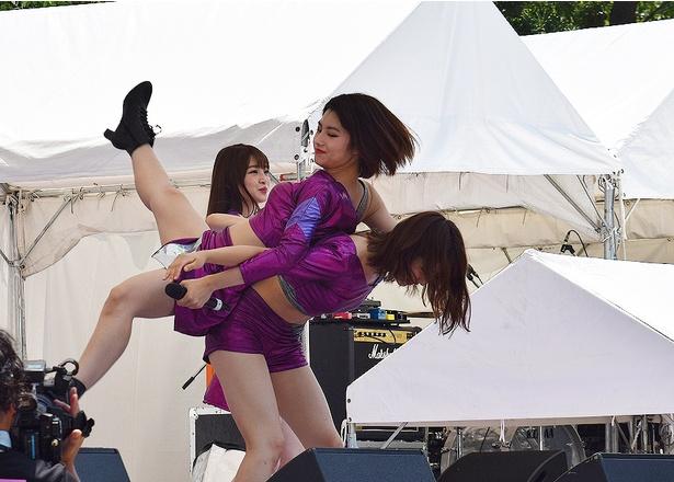 これができるのは脇あかり&浜崎香帆だけ!
