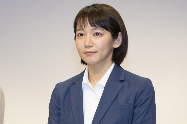 吉岡里帆が主演を務める「健康で文化的な最低限度の生活」は毎週火曜夜9時に放送中