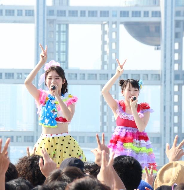 もえちゃん(鶴見萌、左)とアーオ(大和明桜、右)