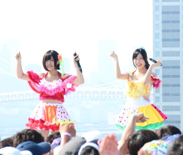 こちらも青組のまーりん(隈本茉莉奈、右)、チャンス(山崎夏菜、左)