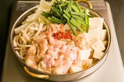 牛もつ鍋 おおいし 住吉店 / もつ鍋はすぐに食べられるように、できたての状態で提供してくれる