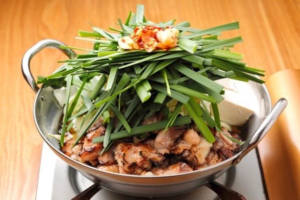 博多もつ鍋 一慶 / 炙ったモツの風味は格別。極上スープは〆のちゃんぽんで余すことなく味わおう