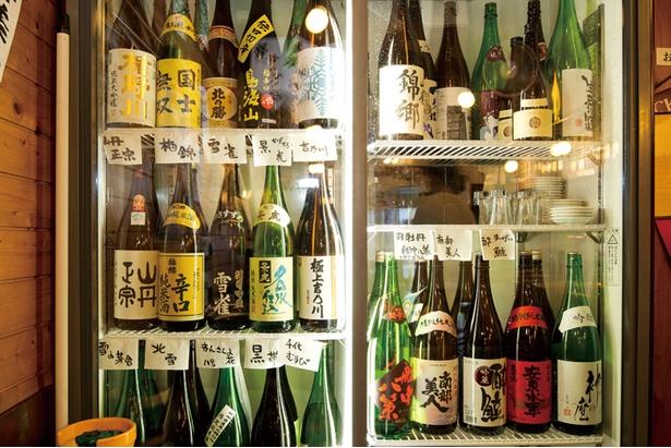 たくさんの日本酒が用意されている