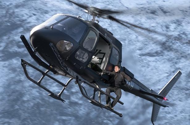 """トムと山Pの""""ヘリ対決""""!?強力タイトルを抑え『コード・ブルー』がV2『M:I』は初登場2位"""