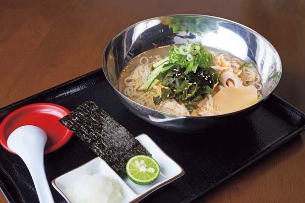 冷やしそうめんラーメン(886円)は、徳島食材がたっぷり入った新感覚の冷やしラーメン/ラーメン屋 3の3