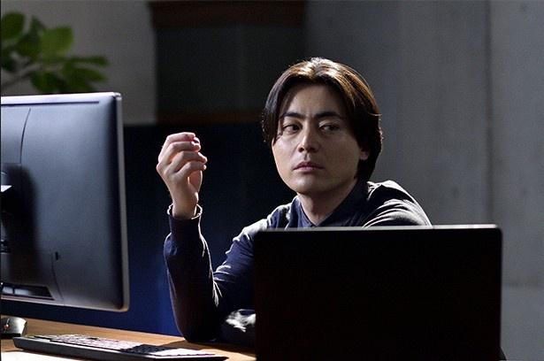 プログラマー・坂上圭司(山田孝之)