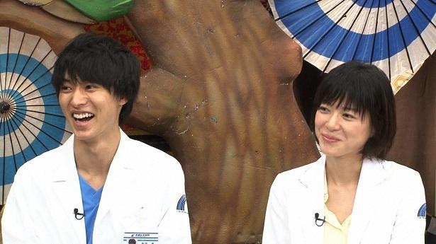 ドラマ「グッド・ドクター」(フジテレビ系)から、山﨑賢人(写真左)と上野樹里(写真右)が登場