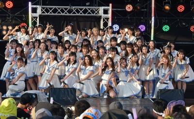 「美浜海遊祭2018 SKE48 Special Live Show」でライブを行うSKE48
