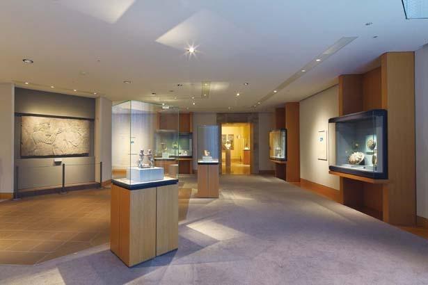 エジプト、西アジア、ギリシア、中国など、世界の古代美術を常設展示している